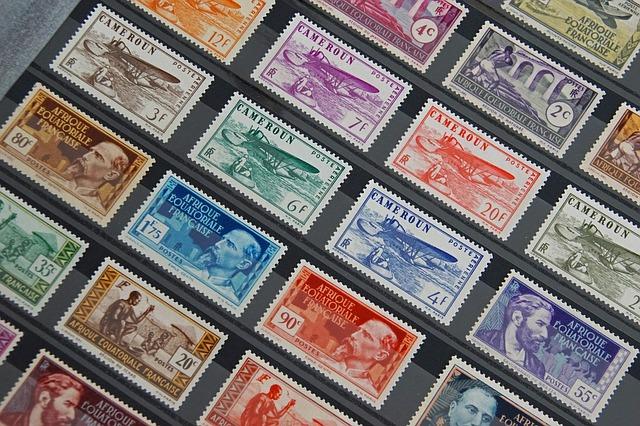 un album de timbres rempli